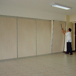 Portable walls san diego wall partitions aluminum for Portable walls with doors